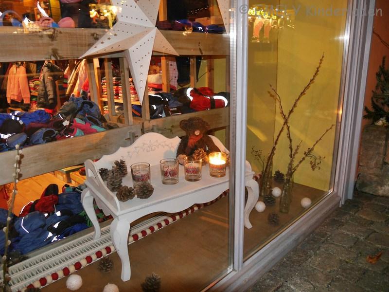 Emely kinderladen second hand schaufenster for Laden schaufenster